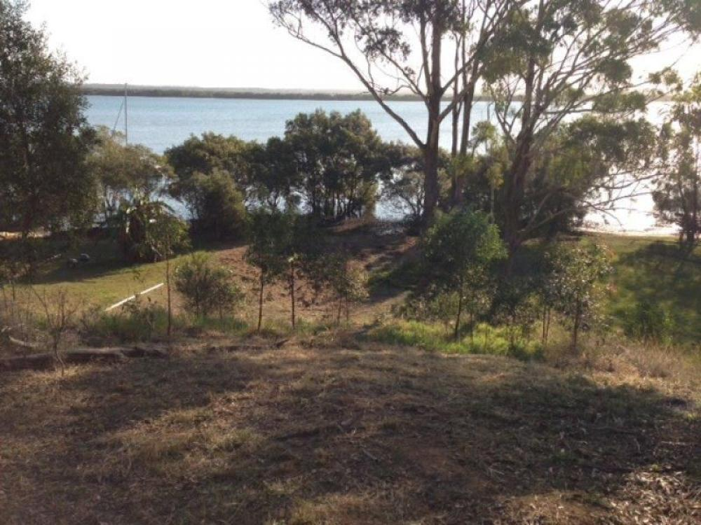 AUCTION - DIRECT WATER FRONT